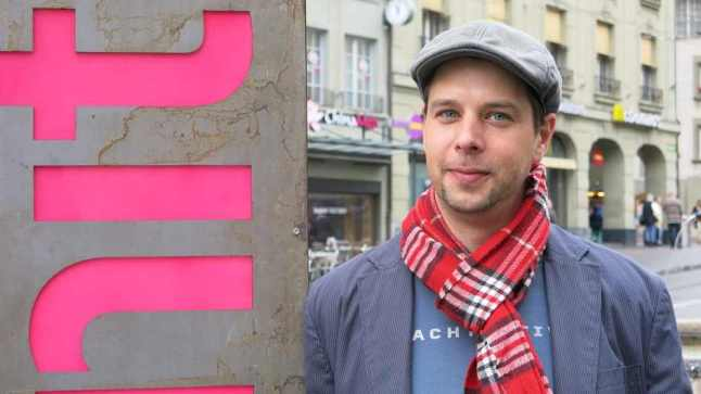 Pink in some places, not in others: Olivier de Hoeven, director of Shnit